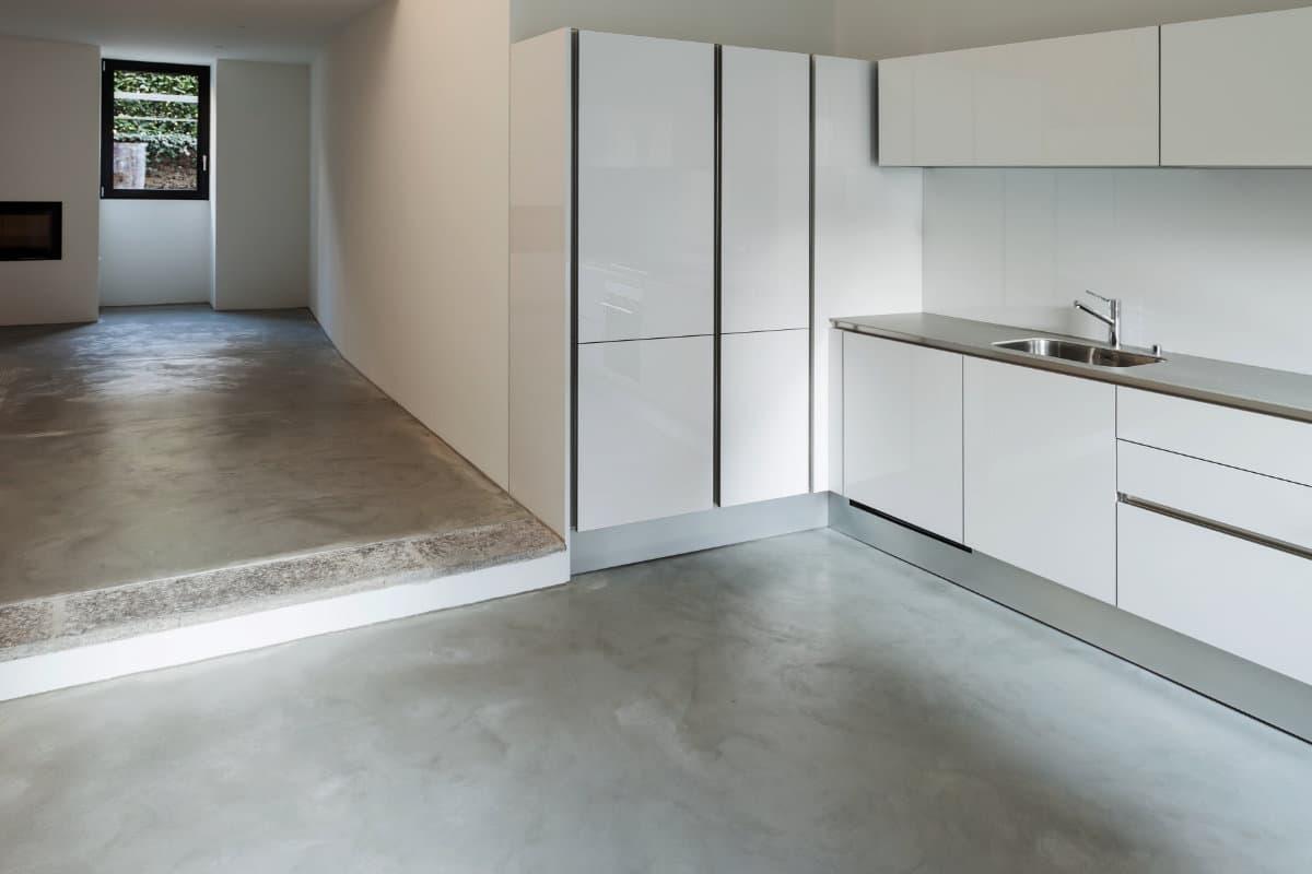Landelijk Keuken Gietvloer : Betonvloer in de keuken mogelijkheden en hun prijzen per m