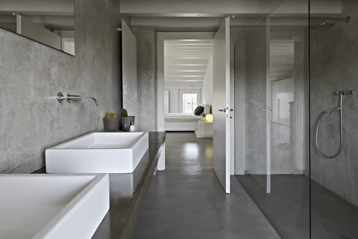 Betonvloer in de badkamer: mogelijkheden en hun prijzen