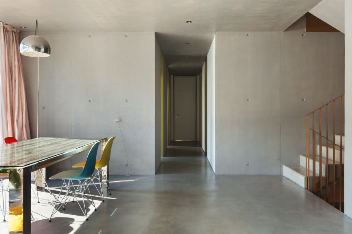 Gevlinderde betonvloer: toepassingen in huis prijs & inspiratie