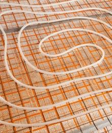 vloerverwarming en betonvloer
